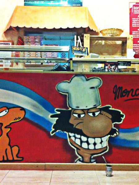 Graffiti profesional publicitario Monchy's by piker