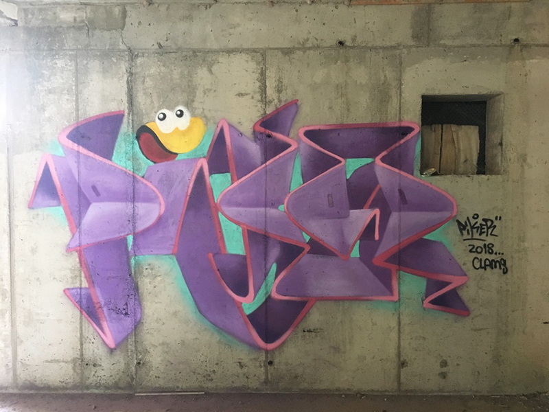 pikerone clams graffiti clásico